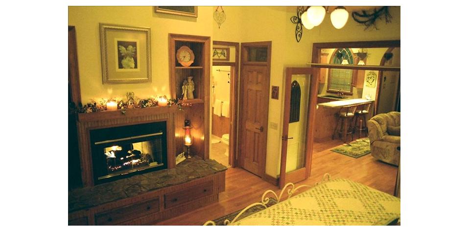 Steinhatchee Retreats Angels Attic Honeymoon Cottage